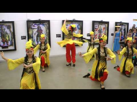 NYCCC at CMA for Chinese New Year 2013 - Uygur Xinjiang Dance uyghur Уйгур 2013